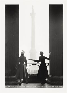 Norman Parkinson, New Look at the National Gallery c1947