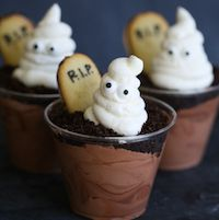 | Ghosts in the Graveyard chocolate pudding cups |