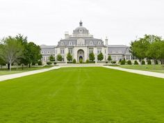 Incredibly Luxurious Mansion in Hickory Creek (1)
