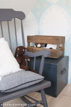 Babykamer on pinterest mobile baby boy rooms and wooden boxes - Jongen babykamer ...