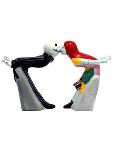 Jack and Sally Kiss Salt & Pepper Shakers #InkedShop #NBC #nightmareBeforeChristmas #Jack #Sally #saltandpeppershakers #shakers #homegoods #kitchenware