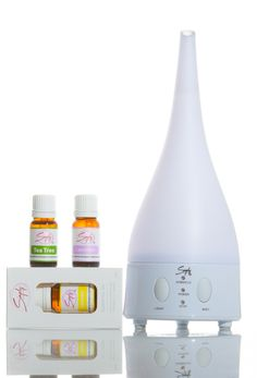 Simply Aroma's Clean Green Package #2 Includes:  1 - Lemon Essential Oil 10mL 1 - Lavender Essential Oil 10mL 1 - Tea Tree Essential Oil 10mL 1 - Ultrasonic Aromatherapy Diffuser