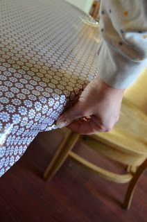 A Nest for All Seasons: How to Cover a Table in Oilcloth