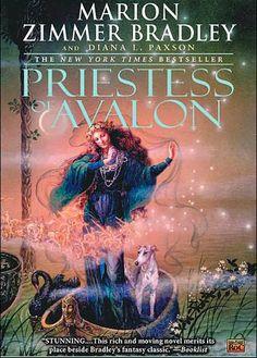 books, worth read, bookworm worthi, book worth, avalon seri, marionzimm bradley, aunts, priestess, marion zimmer bradley