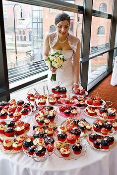 cupcake display in mini stands