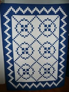 Blue and White,Burgoyne Surrounded quilt