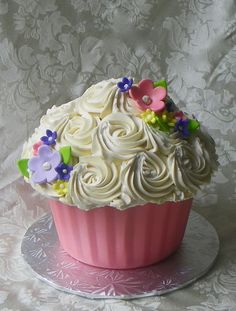 a bucket of roses *in a big cupcakes!