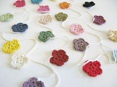 crochet flower garland Inspiracion ✿Teresa Restegui http://www.pinterest.com/teretegui/✿