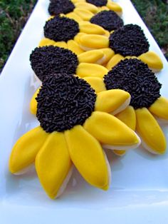 Black Eyed Susan #Cookies - Perfect for August!