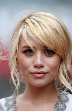 Olsen girls rocking the bangs - All she need is some Christie Brinkley Extensions!