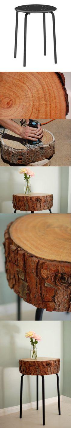 Mesita con un tronco y un taburete de ikea