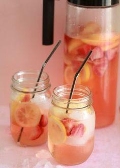 Skinny White Strawberry-Lemon Sangria