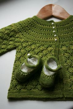 So very cute. Love the Lucille Baby Cardigan (free pattern) #knitting