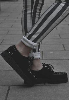 beetl, fashion styles, black white, stud, platform shoes, creeper, white jeans, stripe, 90s grunge