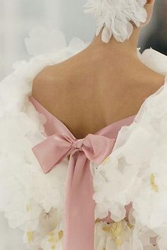 wedding dressses, detail, fashion, chanel, style, pink ribbons, bows, haut coutur, haute couture