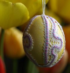 easter egg decorated with bobbin lace