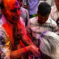 Every year, thousands of people participate in the Hindu festival of Holi and we are happy to be in Dehli celebrating too! #holi #holi2013