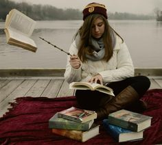 Harry Potter inspired graduation pics.... Seriously? Why didn't anyone tell me about this?!