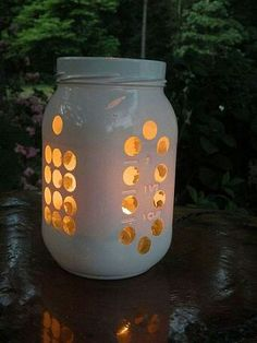 Love this idea for a mason jar luminary
