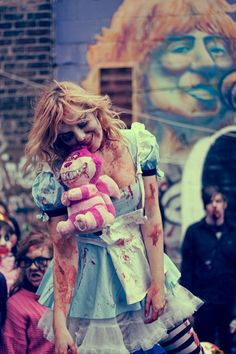 Zombie Alice in wonderland