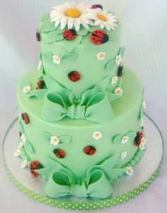 Lady Bug And Flowers Cake