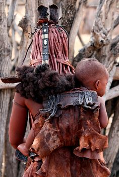 Himba mother and child . Opuwo Namibia