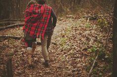 romanc, engagement photos, autumn, into the woods, plaid