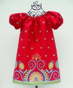 Sew Groovy Peasant  Dress Pattern, A Line, Easy to Make, Border Print,