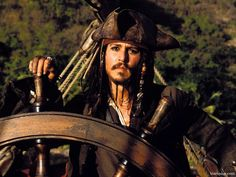 Johnny Depp, dans Pirates of the Carribbean