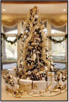 How to Decorate a Designer Christmas Tree for Your Luxury Home Luxury-Christmas-Tree – Haute Living