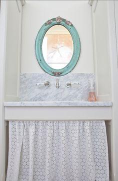 Benjamin Moore Copper Patina 619 (Mirror).
