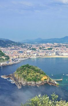 Sip, taste and explore your way through San Sebastián on this 5-day culinary tour. #noms