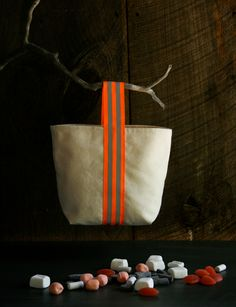 Molly's Sketchbook: Trick or Treat Tote - The Purl Bee #diytote
