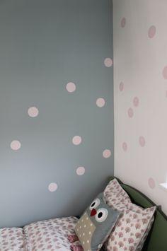 Dot walls