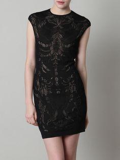 ay no mori ahora si mori  Alexander McQueen skull lace dress