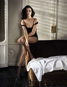 boudoir on the bed frame