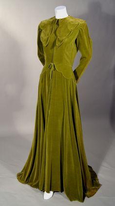 ~1940S LUXURIOUS VINTAGE OLIVE GREEN FULL LENGTH MAISON MENDESSOLLE VELVET ROBE~