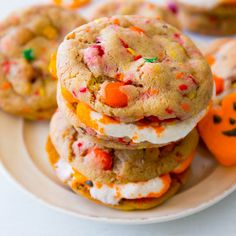 Marshmallow Peep Sandwich cookies #ExpressYourPeepsonality
