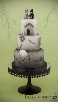 Tim Burton-inspired wedding cake.