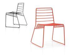 estas sillas me parecen ideales para un comedor auxiliar en la cocina.