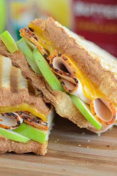 Turkey, Apple and Cheddar Panini. This grilled sandwich from @thenovicechef is ready for fall.