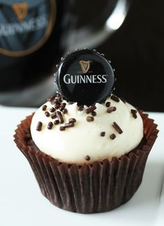 RECIPE - Guinness Cupcakes (Source : http://www.mybakingaddiction.com/guinness-cupcakes/) #cupcake #recipe #beer