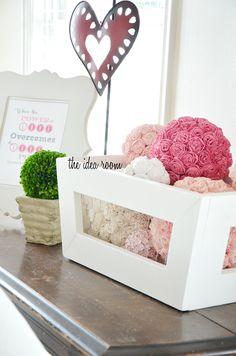 decor, crate ghvalentin, balls, valentine day crafts, wire crate, chicken wire, craft idea, diy idea, wood crates