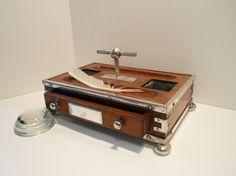 Portable writing desk