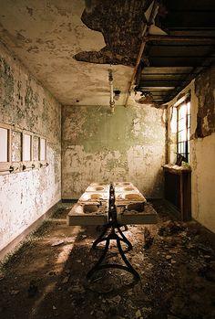 Connecticut Valley Insane Asylum