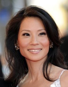 long lashes and natural makeup - lucy liu