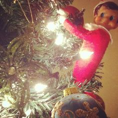 Day 1: Elves helped decorate the tree.