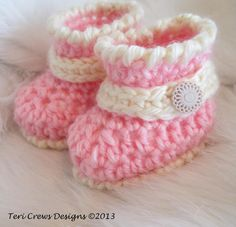 Cute Baby Booties: free pattern