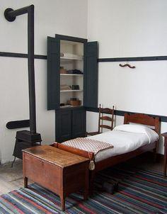 Shaker bedroom.