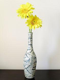 Garrafa de Vinho do vaso: Upcycled Garrafa de Vinho decoupaged Com TIME Magazine